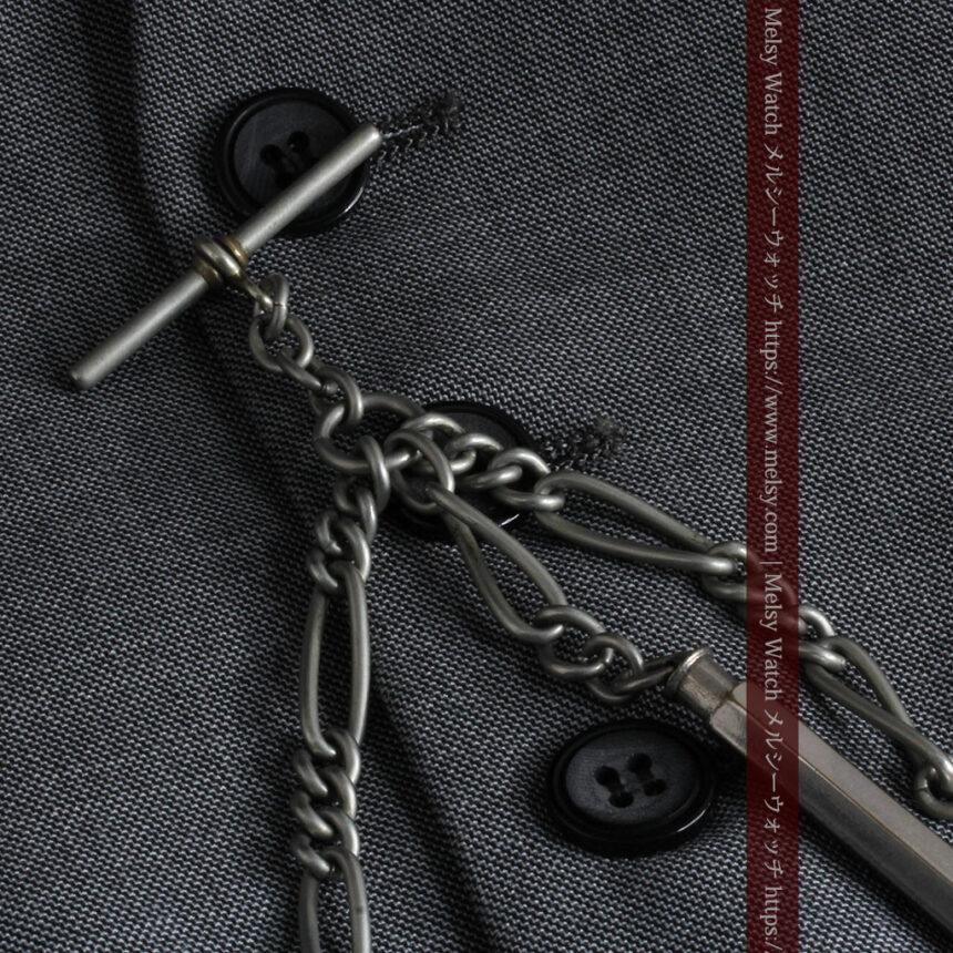 くすんだ銀色のアンティーク懐中時計チェーン 鍵巻き付き-C0458-3