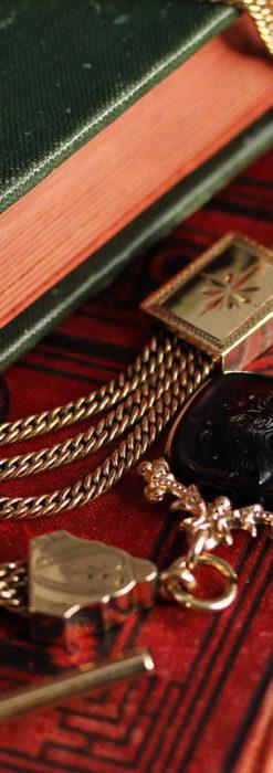 存在感抜群の3連・重厚な装飾飾りのアンティーク懐中時計チェーン-C0467-2