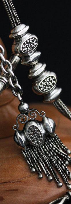 三つ揃いの飾りが映える 銀無垢アンティーク懐中時計チェーン-C0471-12