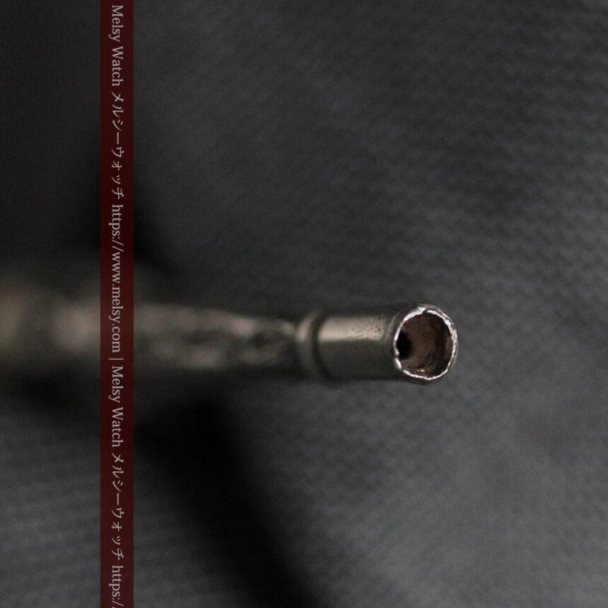 銀無垢の装飾の綺麗なアンティーク鍵巻き-C0476-10