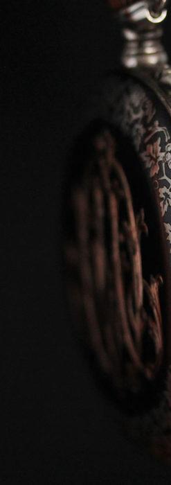 黒金装飾と彫りが美しいロンジンの銀無垢アンティーク懐中時計 【1905年製】革紐付き-P2274-13