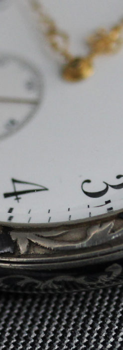 黒金装飾と彫りが美しいロンジンの銀無垢アンティーク懐中時計 【1905年製】革紐付き-P2274-25