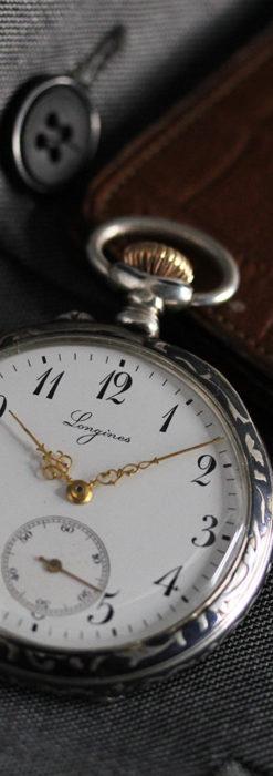 黒金装飾と彫りが美しいロンジンの銀無垢アンティーク懐中時計 【1905年製】革紐付き-P2274-3