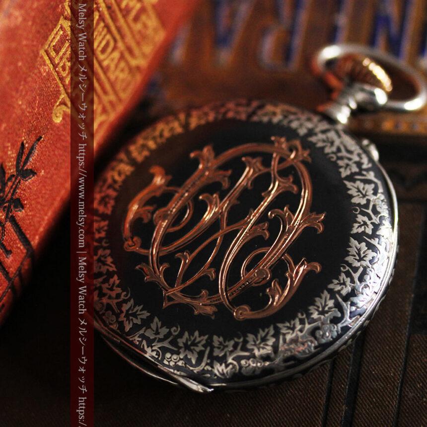 黒金装飾と彫りが美しいロンジンの銀無垢アンティーク懐中時計 【1905年製】革紐付き-P2274-7