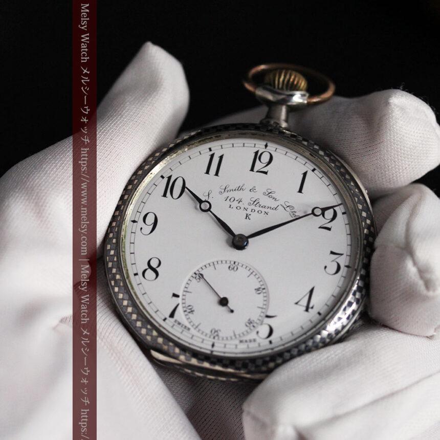 市松模様の黒金装飾 英国スミスの銀無垢懐中時計 【1900年頃】-P2278-11