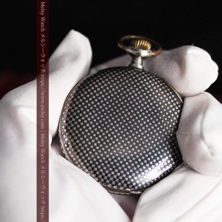 市松模様の黒金装飾 英国スミスの銀無垢懐中時計 【1900年頃】-P2278-12
