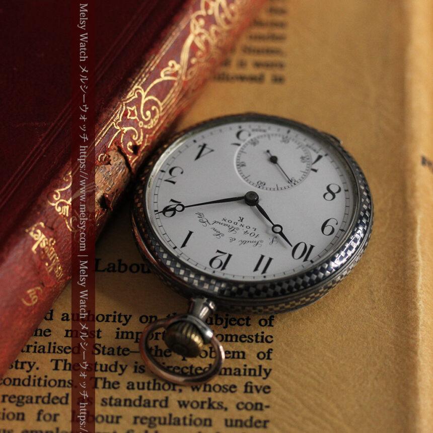 市松模様の黒金装飾 英国スミスの銀無垢懐中時計 【1900年頃】-P2278-3