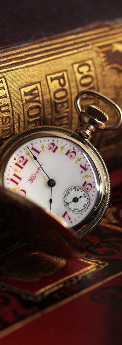 ワインレッドと金彩装飾 ハンプデンのアンティーク懐中時計 【1908年製】-P2288-11
