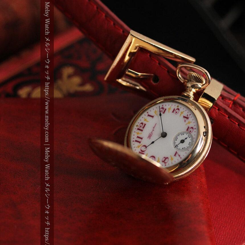 ワインレッドと金彩装飾 ハンプデンのアンティーク懐中時計 【1908年製】-P2288-2