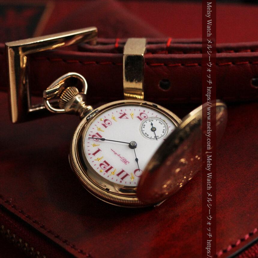 ワインレッドと金彩装飾 ハンプデンのアンティーク懐中時計 【1908年製】-P2288-6