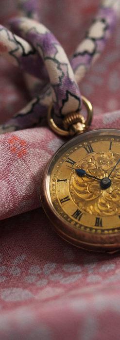 装飾の綺麗なスイス製の金無垢アンティーク懐中時計 【1913年製】-P2295-1
