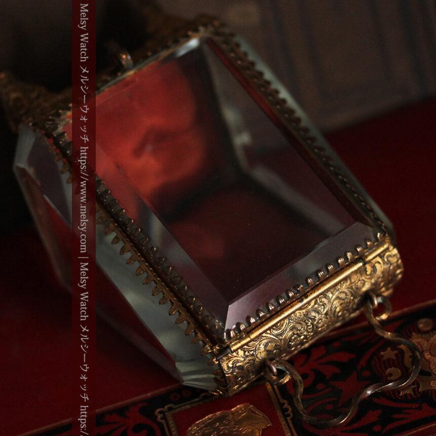 懐中時計収納用ガラスケース 装飾入り三角形-S0843-11