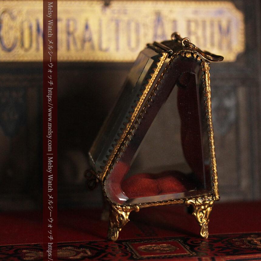 懐中時計収納用ガラスケース 装飾入り三角形-S0843-7