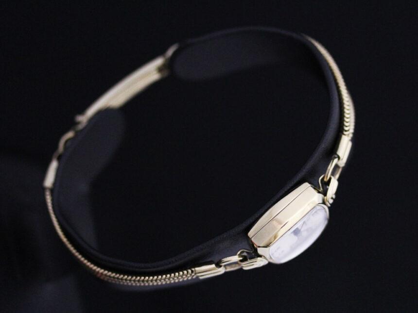 オメガ腕時計-W1353-8