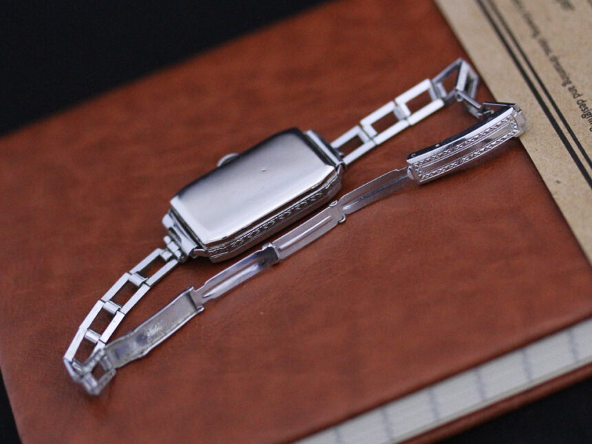 エルジンのアンティーク腕時計-W1379-13