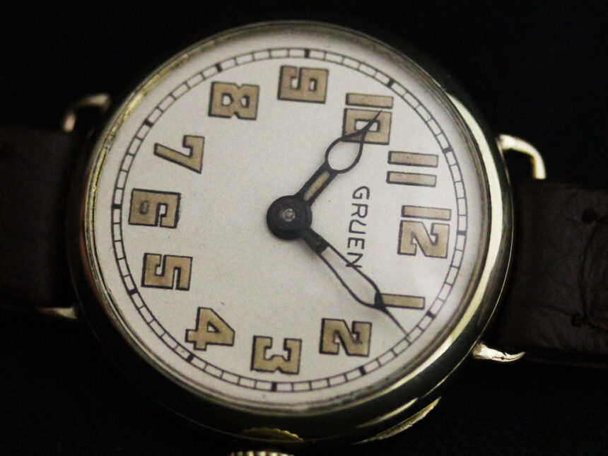 グリュエンのアンティーク腕時計-W1405-2