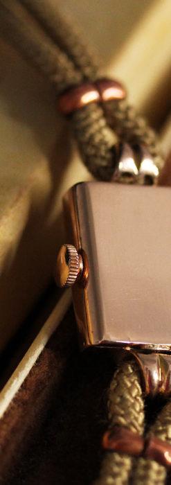 オメガ 金無垢ローズゴールドの女性用アンティーク腕時計 【1946年製】箱付き-W1186-13