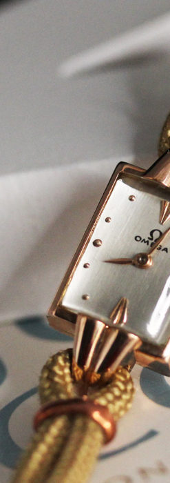 オメガ 金無垢ローズゴールドの女性用アンティーク腕時計 【1946年製】箱付き-W1186-3