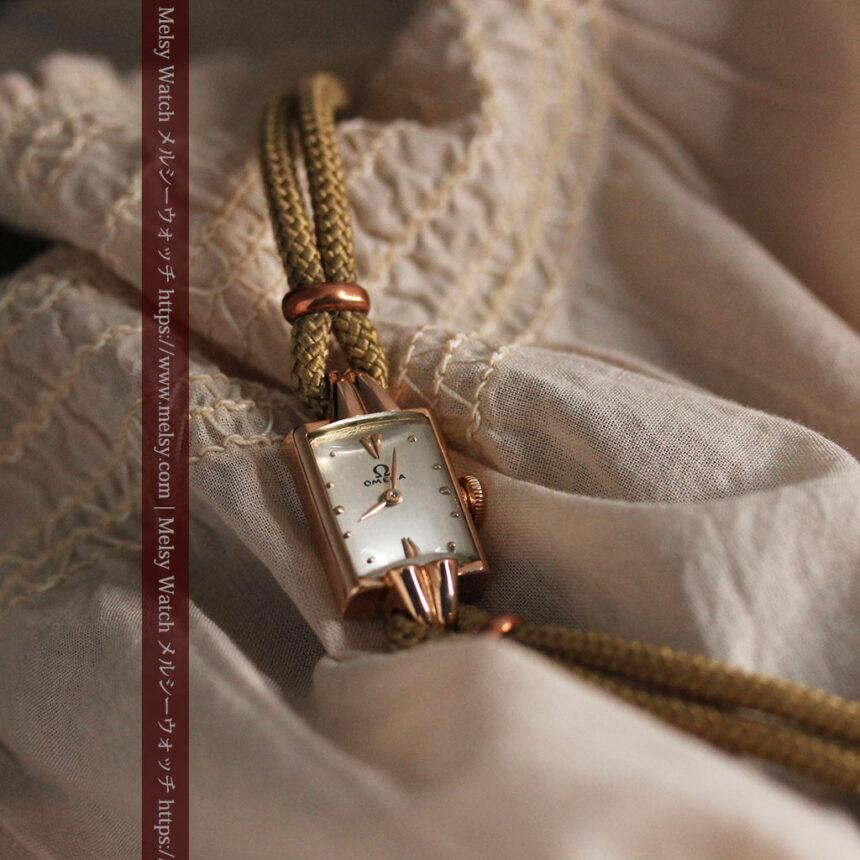 オメガ 金無垢ローズゴールドの女性用アンティーク腕時計 【1946年製】箱付き-W1186-7