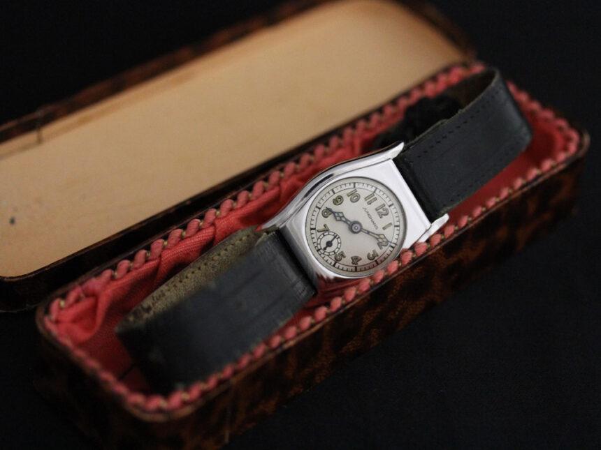ユンハンスのアンティーク腕時計-W1425-19