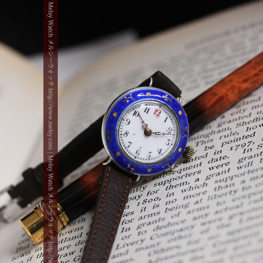 青いエナメル装飾の銀無垢アンティーク腕時計-W1441-2
