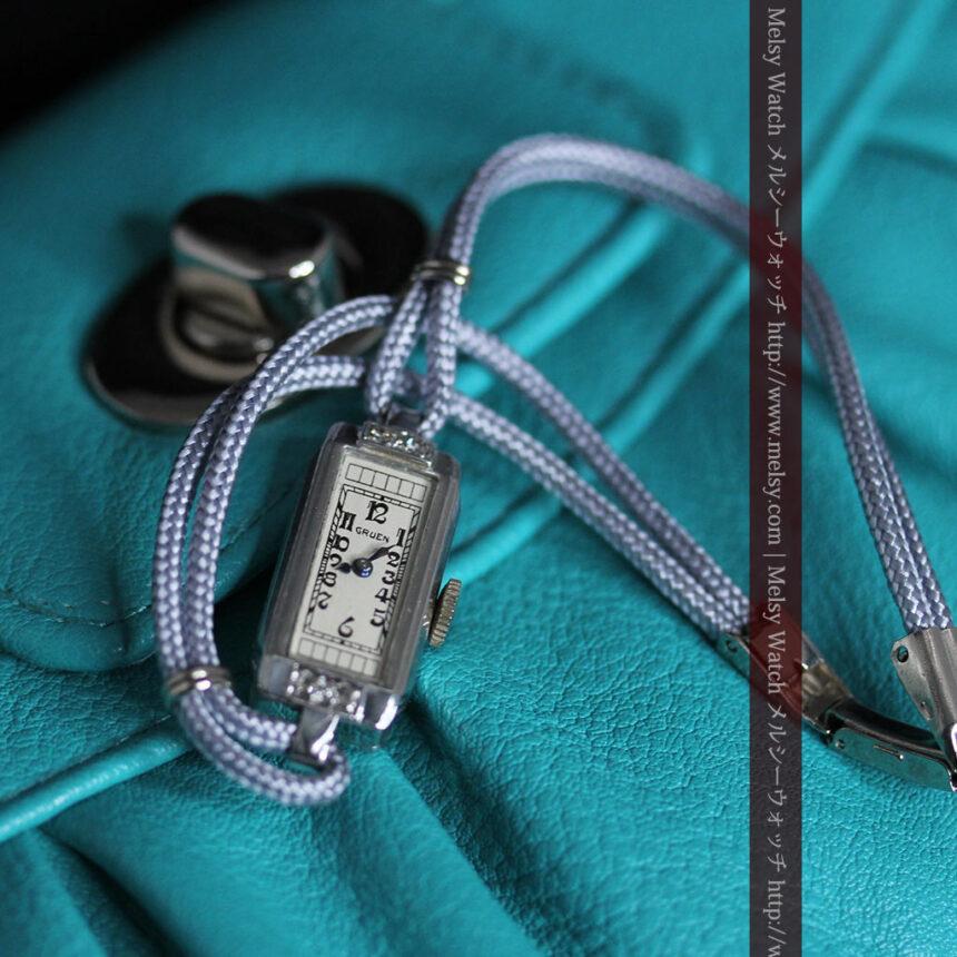 細長いグリュエンの女性用アンティーク腕時計-W1442-4