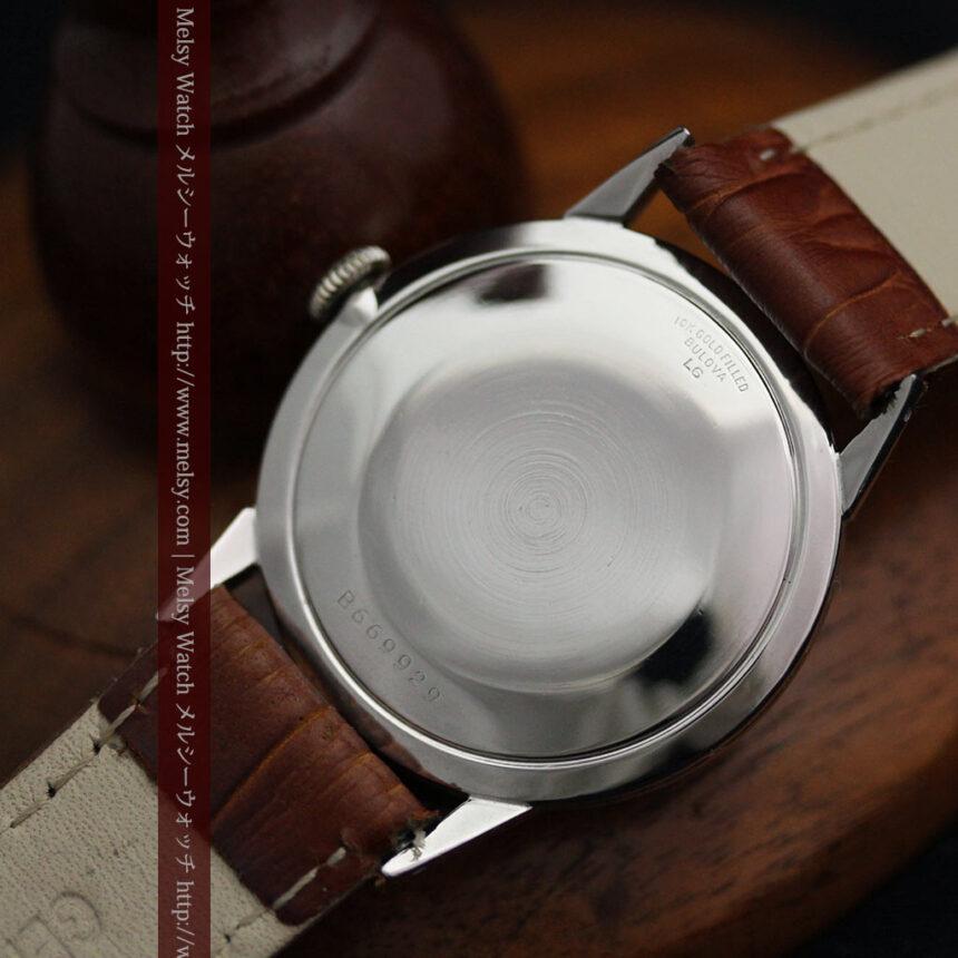 黒にダイヤモンドの映えるブローバの1954年製のアンティーク腕時計-W1447-16