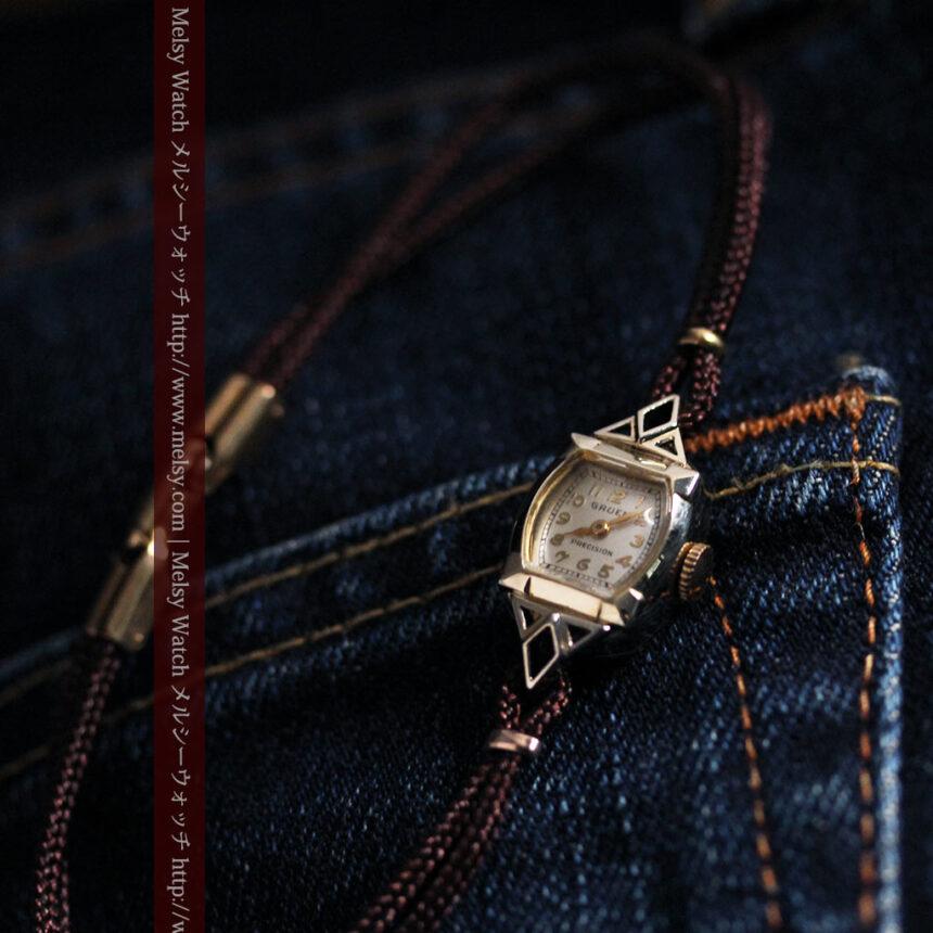 グリュエンの女性用腕時計トライアングル-W1450-2