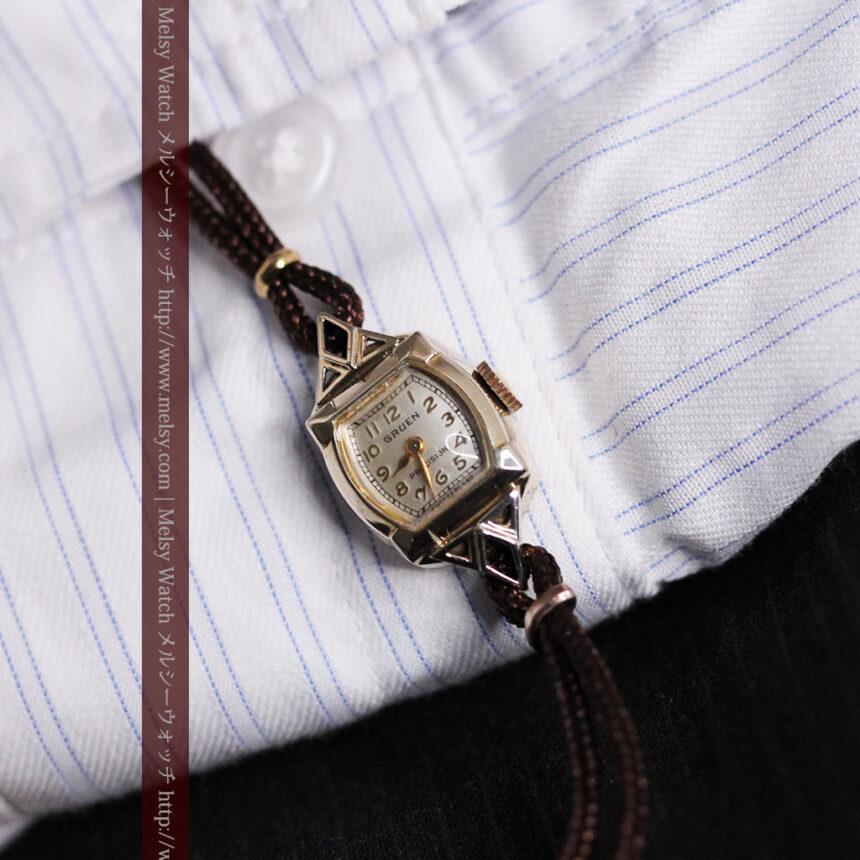 グリュエンの女性用腕時計トライアングル-W1450-3