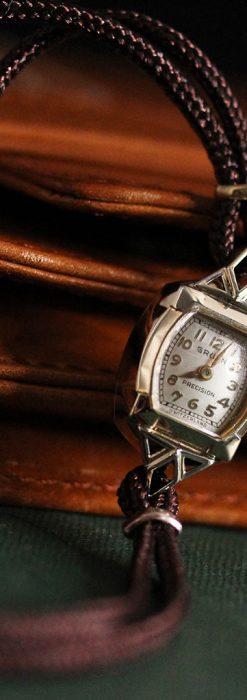 グリュエンの女性用腕時計トライアングル-W1450-4
