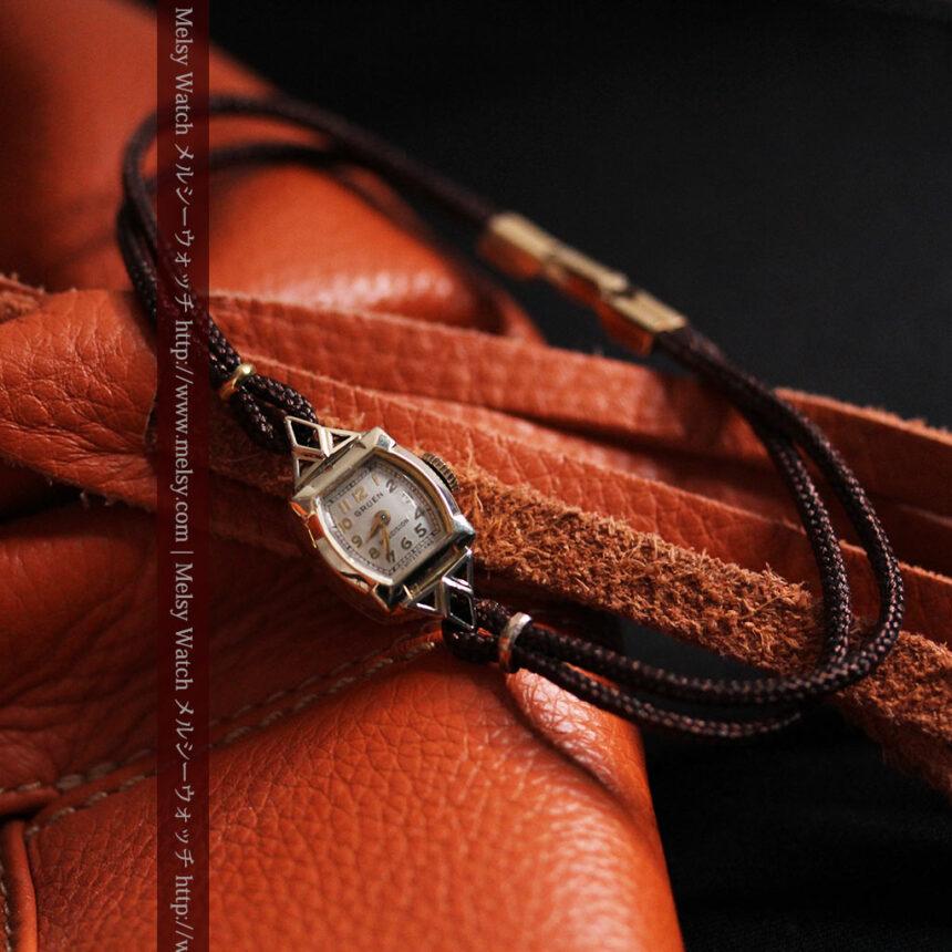 グリュエンの女性用腕時計トライアングル-W1450-6