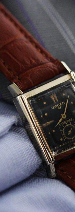 グリュエンの少し小さめの黒文字盤のアンティーク腕時計-W1459-2