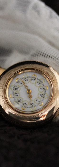 ウォルサムの金彩模様と細工バンドのアンティーク腕時計 【1898年製】-W1467-2