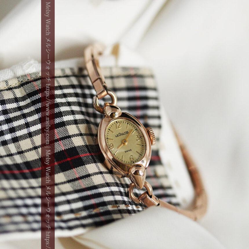 ジャガールクルトのローズ色の女性用アンティーク腕時計 【1940年頃】-W1473-1
