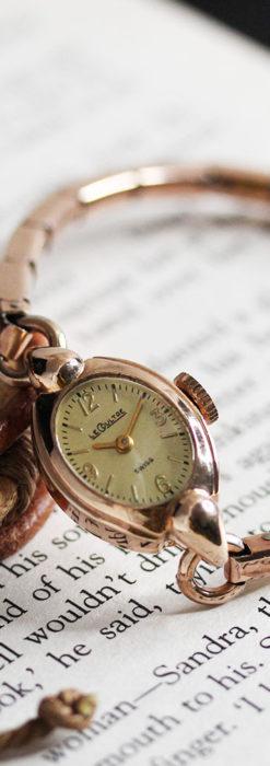ジャガールクルトのローズ色の女性用アンティーク腕時計 【1940年頃】-W1473-12