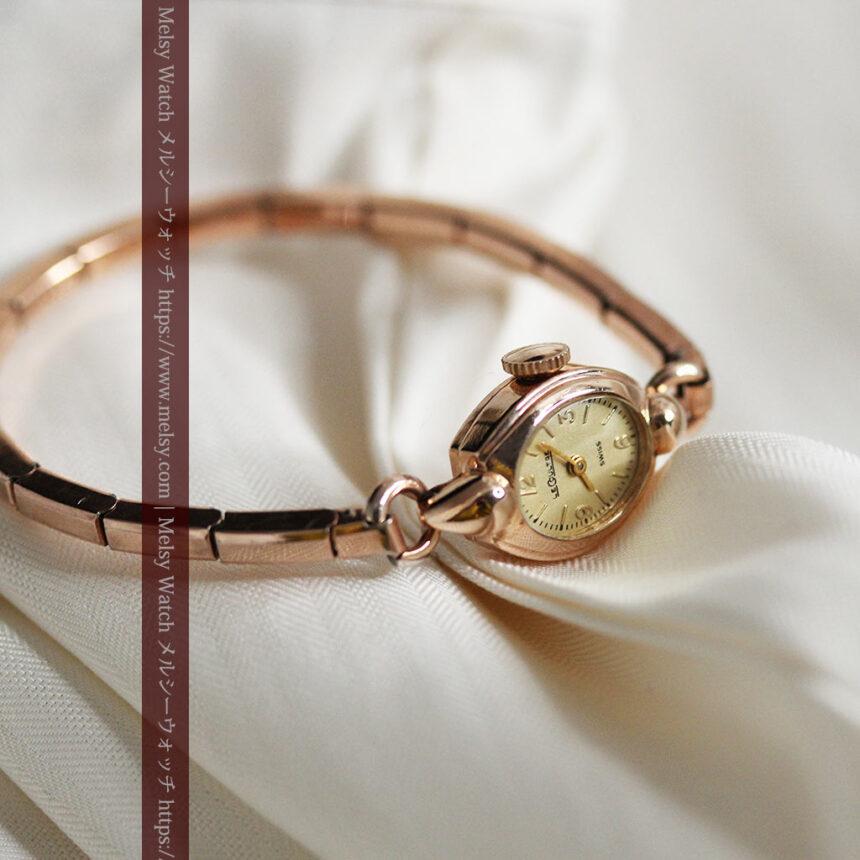 ジャガールクルトのローズ色の女性用アンティーク腕時計 【1940年頃】-W1473-5