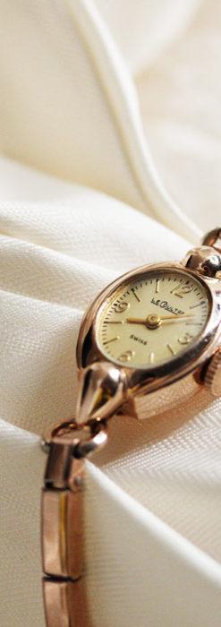ジャガールクルトのローズ色の女性用アンティーク腕時計 【1940年頃】-W1473-6