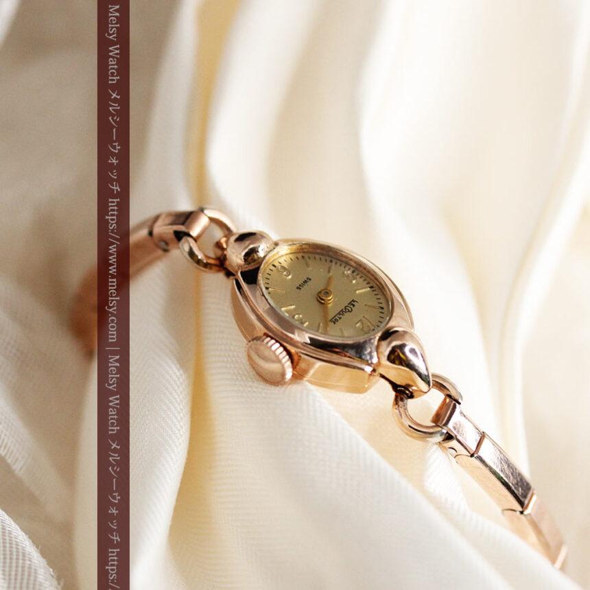ジャガールクルトのローズ色の女性用アンティーク腕時計 【1940年頃】-W1473-7