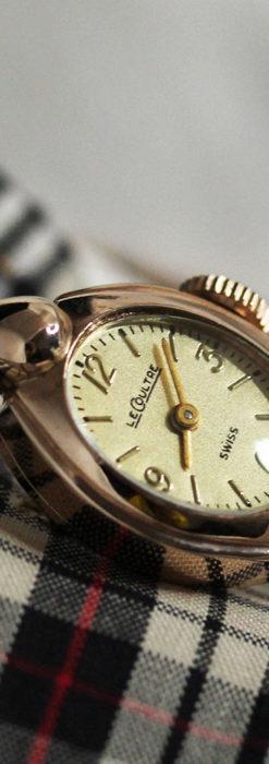 ジャガールクルトのローズ色の女性用アンティーク腕時計 【1940年頃】-W1473-9