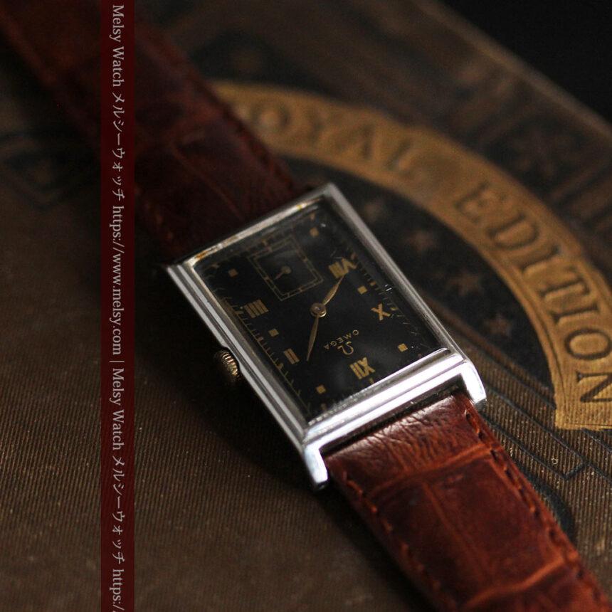 オメガ アンティーク腕時計 上品な黒と金のコントラスト 【1943年製】-W1481-1