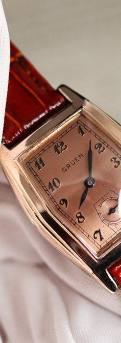 グリュエン 縦長六角形のアンティーク腕時計 ローズ色 【1950年頃】-W1482-11