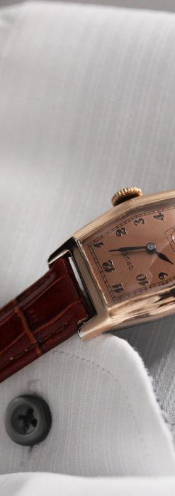 グリュエン 縦長六角形のアンティーク腕時計 ローズ色 【1950年頃】-W1482-2
