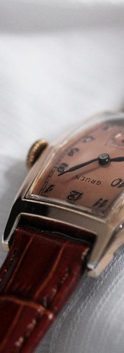 グリュエン 縦長六角形のアンティーク腕時計 ローズ色 【1950年頃】-W1482-7