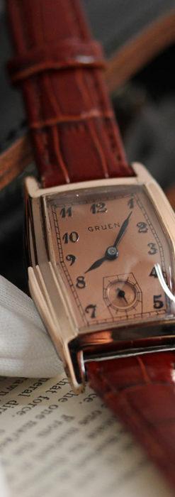 グリュエン 縦長六角形のアンティーク腕時計 ローズ色 【1950年頃】-W1482-8