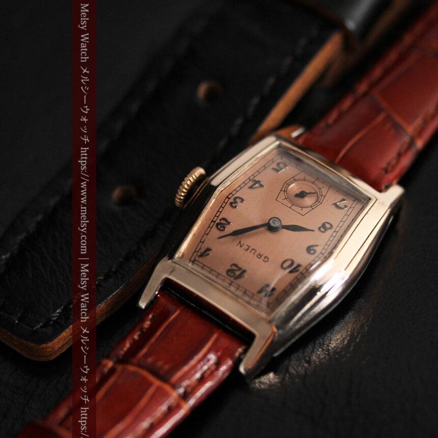 グリュエン 縦長六角形のアンティーク腕時計 ローズ色 【1950年頃】-W1482-9