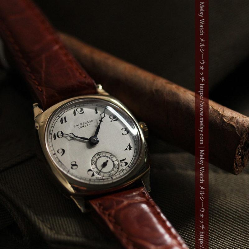 英国ベンソン クッション型の金無垢アンティーク腕時計 【1950年頃】-W1484-1