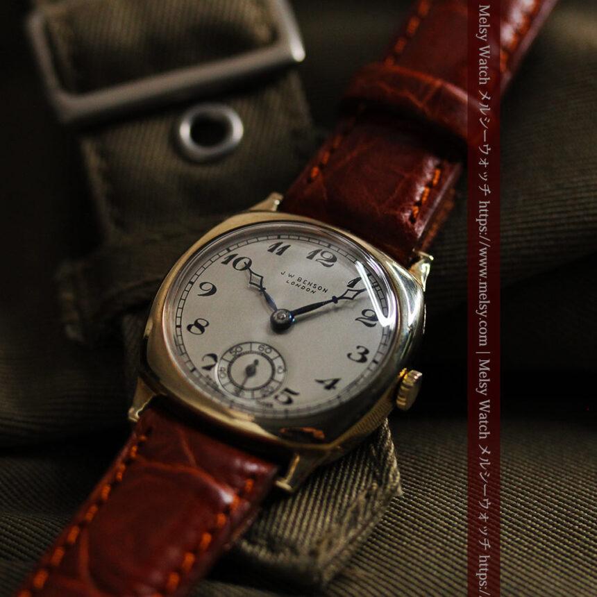 英国ベンソン クッション型の金無垢アンティーク腕時計 【1950年頃】-W1484-6
