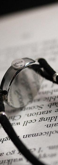グリュエン 黒文字盤と鋲の個性的な女性用アンティーク腕時計 【1950年頃】-W1492-13