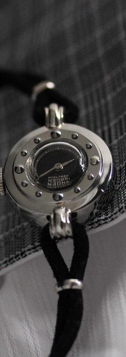 グリュエン 黒文字盤と鋲の個性的な女性用アンティーク腕時計 【1950年頃】-W1492-2