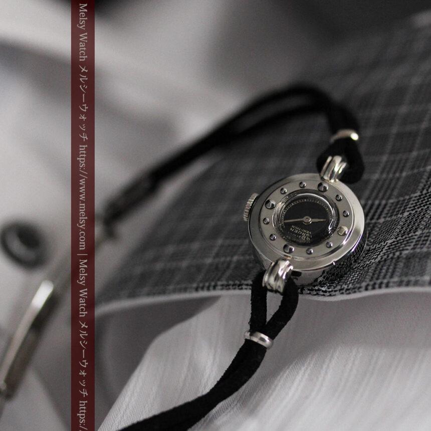 グリュエン 黒文字盤と鋲の個性的な女性用アンティーク腕時計 【1950年頃】-W1492-3